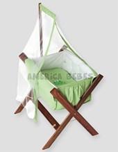 Catre verde c/ tul y porta tul. Medidas: 80x58x80 ( largo, ancho y alto) Pilim