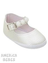 Zapato de charol blanco. Gorditoo