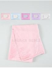 Frazada cuna micro fibra lisa 100% poliester.  MEDIDAS: 1,10 X 1,50 cm.  Colores. Blanco-Cel-Rosa-Fuscia-Natural Mantra