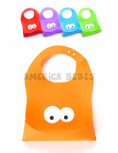 Baber 100% SILICONA con proteccion para comida. Se dobla para llevar los cubiertos adentro y no manchar la cartera. Colores surtidos. Tatoon.