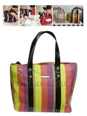 Bolso Maternal Shopping Bag. INCLUYE NECESSAIRE Y CAMBIADOR.  Happy Little Moments.