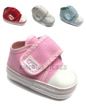 Zapatillas con abrojo. Colores surtidps. Zapatitos G y D.