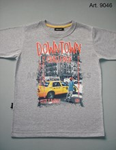 Remera niño M/C. Estampa Downtown. Colores surtidos. Gruny.