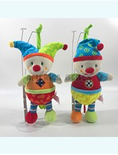 PELUCHE CUNERO 9'MUSICAL. COLORES SURTIDOS. WOODY TOYS.