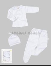 Pack en caja de regalo Liso: Batita ML Medio Osito y Gorrito Blanco. Naranjo.