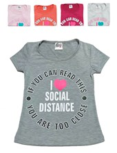Remera nena M/C social distance. Colores surtidos. Picante.